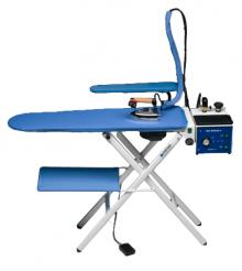 Mod.366 - Table à repasser professionnelle aspirante, chauffante et soufflante.