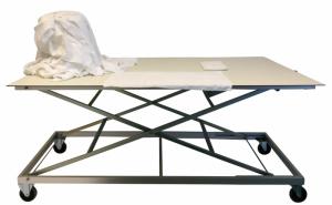 Table de tri et de pliage à hauteur réglable INOX et BOIS. (Ergonomique)