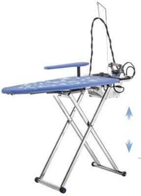 ULYSSE - Table à repasser réglable en hauteur, Chauffante, Aspirante, Soufflante, Vaporisante et pliable. Chromée.