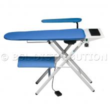 366.11 - Table à repasser professionnelle<br /> Aspirante, Chauffante, à plancher.